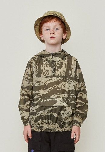 Military style camouflage hooded light coat