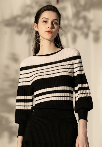 Seamless full-fit contrast color loose lantern sleeves sweater