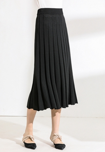 Large pleated skirt