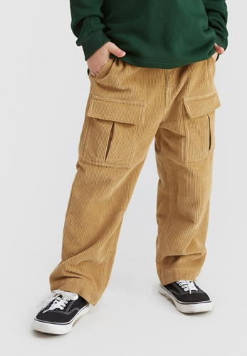 Retro big pocket corduroy straight pants in the big boy