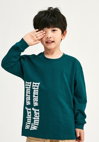 T-shirt with wavy letter print loose middle and small children's long sleeves