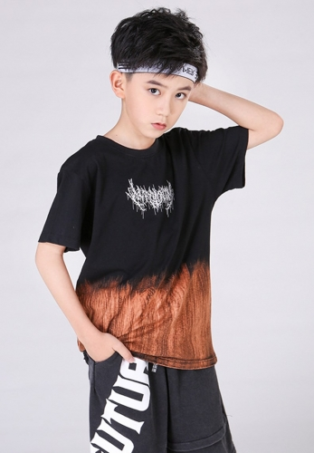 Flame bleaching and dyeingn oversize T-shirt
